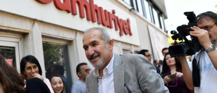 رئيس صحيفة جمهورييت يشارك في تظاهرة من اجل الحرية في تركيا