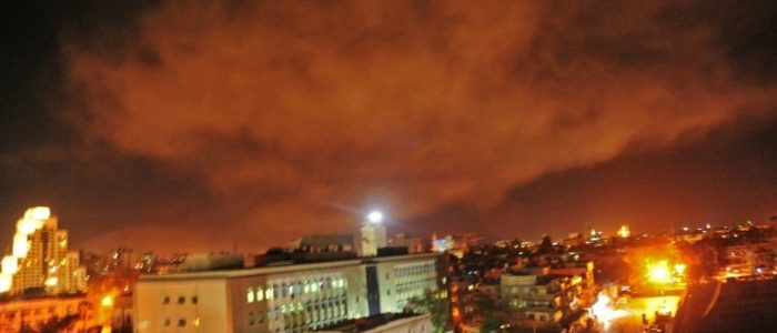 سقوط 26 مقاتلا مواليا للنظام بينهم إيرانيون في القصف الصاروخي على سوريا