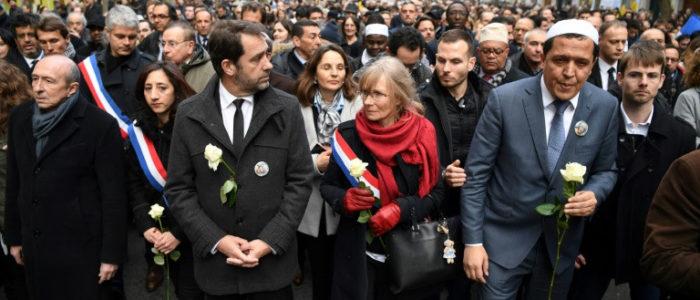 """ممثلون لمسلمي فرنسا ينددون بمقال تضمن """"هذيانا جنونيا"""" ضد الاسلام"""