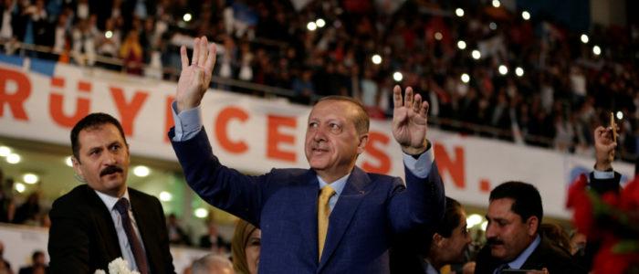 استطلاع يظهر تراجع التأييد لإردوغان وعدم حسم الانتخابات من الجولة الأولى