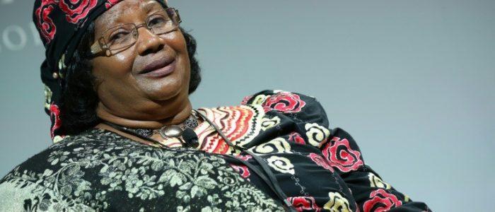 الرئيسة السابقة لملاوي تعود الى بلادها بعد اربع سنوات في المنفى