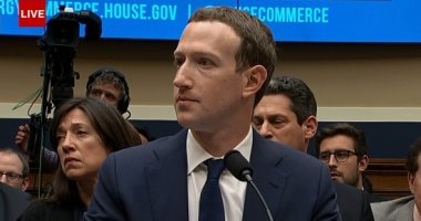 انقلاب على مؤسس فيسبوك زوكربيرج