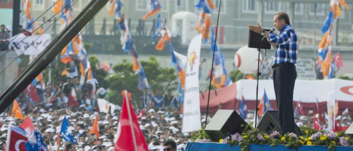 إذاً اقترب موعد الانتخابات التركية وأعلن حزب العدالة والتنمية عن برنامجه.. ما الجديد فيه وهل يكرر أردوغان نفسه؟