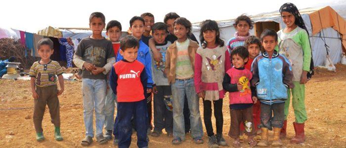 طاهية أردنية تحضر وجبة الإفطار لأسرة سورية في مخيم الزعتري