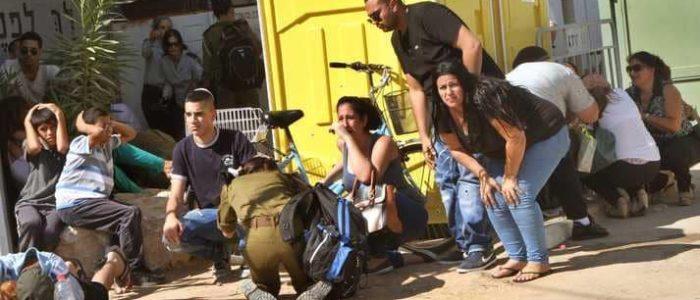 إصابة 3 إسرائيليين في أشكول بصواريخ فلسطينية