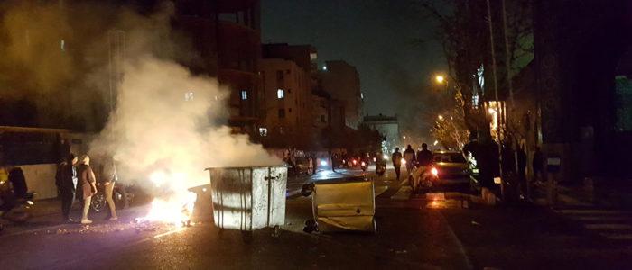 تصاعد الغضب الشعبي في إيران