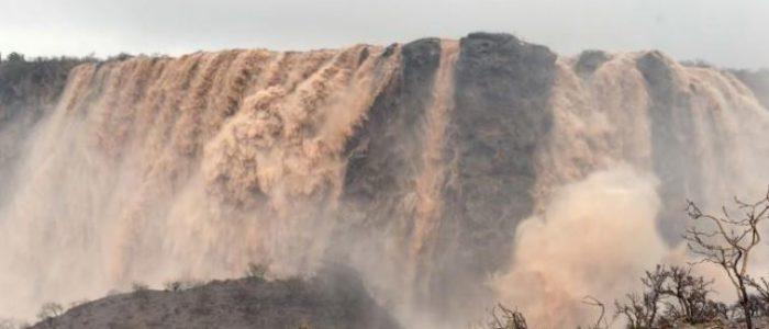 قتيلان وثلاثة مفقودين في عمان بسبب إعصار