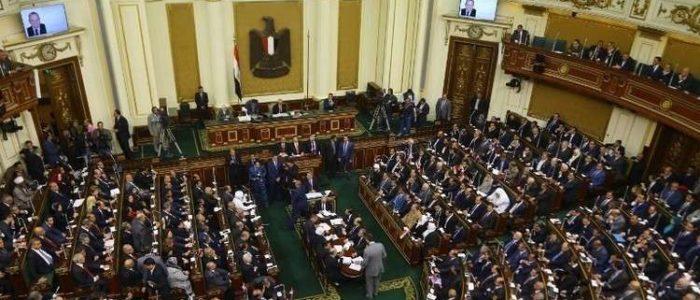 البرلمان يوافق على مد حالة الطوارئ فى جميع أنحاء البلاد لمدة ثلاثة أشهر