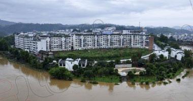 إجلاء أكثر من 800 شخص بوسط الصين جراء الأمطار الغزيرة
