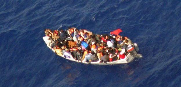 إنقاذ نحو 24 مهاجرا أفريقيا قبالة ساحل البرازيل