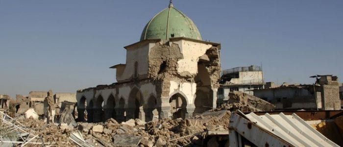 """""""جثث"""" الموصل تنشر الأمراض وتؤخر عودة النازحين للمدينة"""