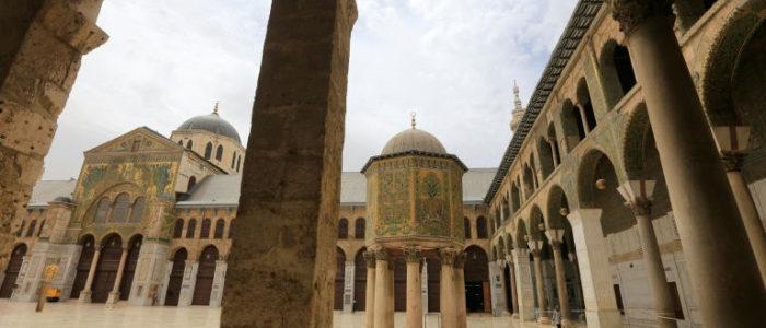 سكان دمشق يطوون صفحة الحرب وينعمون بالأمان للمرة الأولى منذ سنوات