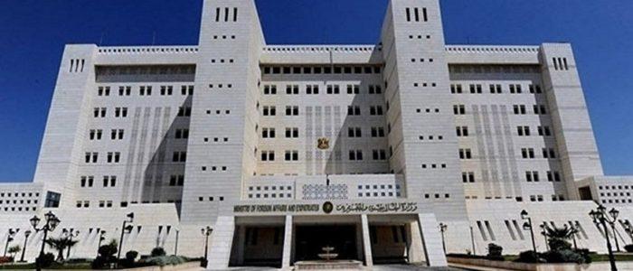 """سوريا ترد بشدة على تصريحات ماكرون حول التطبيع مع """"نظام الأسد"""""""