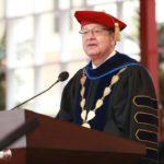 رئيس جامعة في كاليفورنيا يستقيل إثر اتهامات لطبيب سابق فيها بالتحرش جنسيا بطالبات
