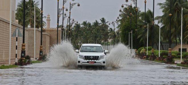 """إعصار """"مكونو"""" يقترب من السعودية بعد تحوله إلى عاصفة مدارية"""