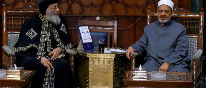 """المجلس الأعلى لتنظيم الإعلام يمنع ذكر اسم شيخ الأزهر وبابا الإسكندرية دون """"فضيلة وقداسة"""""""