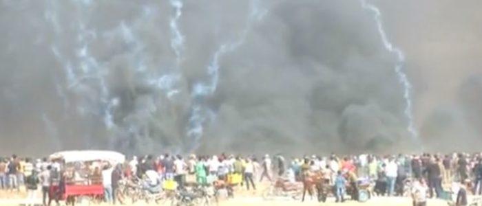 إصابة عشرات الفلسطينيين بالرصاص والغاز المسيل للدموع في احتجاجات على الحدود