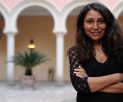 """من هي المخرجة السعودية هيفاء المنصور التي اقتحمت عالم هوليوود بفيلم """"ماري شيلي""""؟"""