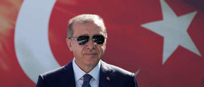 """أردوغان يريد """"محاكمة سريعة"""" لمنافسه.. ويتمنى إقرار الإعدام"""