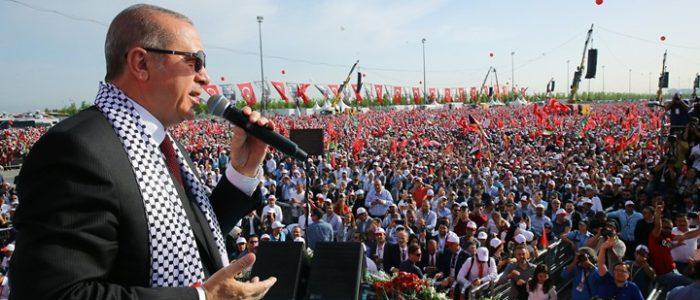 """التاريخ والجغرافيا و""""القس"""".. أسلحة أردوغان بالأزمة المستحكمة"""