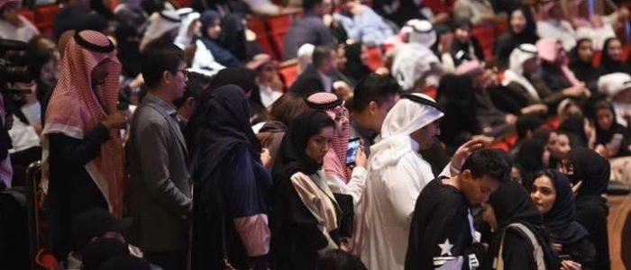 """مجلس الوزراء السعودي يوافق على نظام مكافحة """"جريمة التحرش"""""""