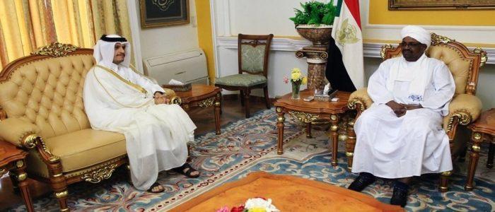"""سيارات تتحرك في السودان… قرار قطري بعد كشف """"الخطة الإماراتية"""