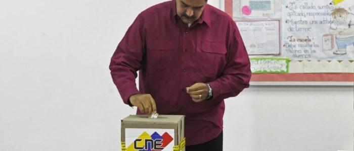 الفنزويليون ينتخبون رئيسا لهم وسط اسوأ ازمة اقتصادية تواجه البلاد