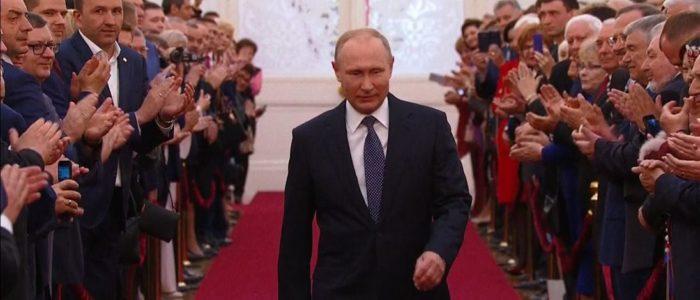 """بوتين يحتفي بعيد ميلاده الـ66 وتهنئة بالمناسبة من إيطاليا لـ""""الرجل الذي غيّر العالم""""!"""