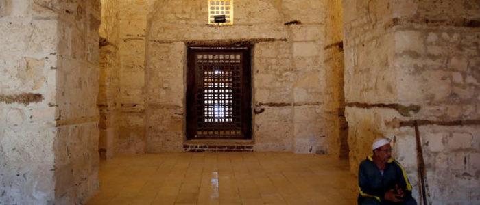 """إزالة مكبرات صوت """"مزعجة"""" في 10 مساجد وزوايا بالإسكندرية"""