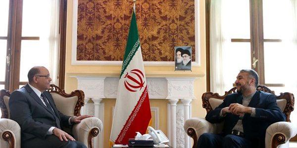 إيران تدعو لتوسيع العلاقات الثنائية مع مصر
