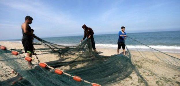 إسرائيل تبني حاجزا ضخما على الساحل لمنع الهجمات من غزة