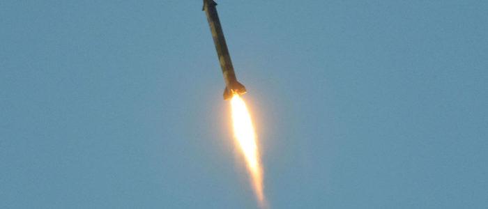 السعودية تعلن اعتراض صاروخ في عسير والحوثيون يقولون إنهم استهدفوا القيادة الجوية هناك