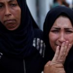 غزة تدفن قتلاها بعد سقوط العشرات على حدود إسرائيل