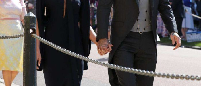ماذا قالت فيكتوريا بيكهام عن حفل زفاف هاري وميجان وفستان الزفاف؟
