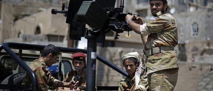 """قوات هادي تعلن استعادة مواقع استراتيجية بعد معارك مع """"أنصار الله"""""""