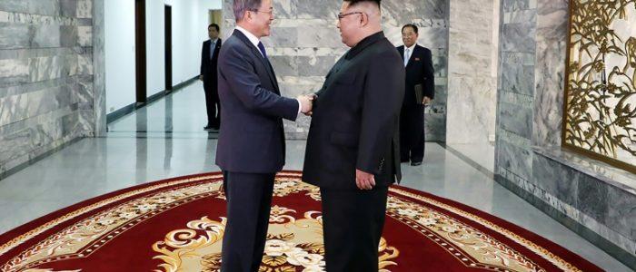 رئيس كوريا الجنوبية التقى كيم جونج اون في المنطقة منزوعة السلاح