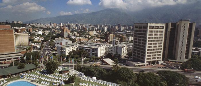 موسكو: لن نلتزم بالعقوبات… وسنحلل تأثير العقوبات ضد فنزويلا على الشركات الروسية