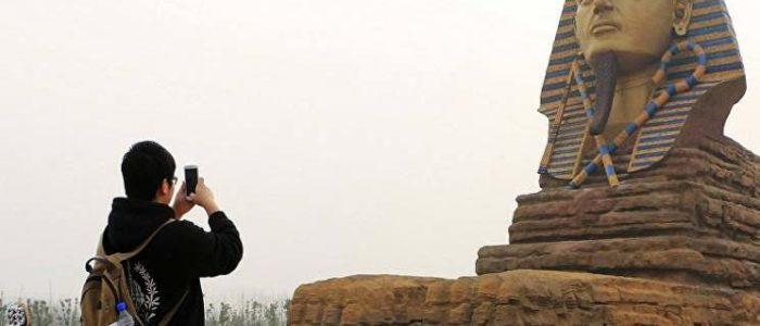 """إيرادته أعلى من الأصلي في مصر بـ 7 أضعاف .. القاهرة تطالب اليونسكو بالتدخل لهدم """" تمثال ابو الهول الصيني"""""""