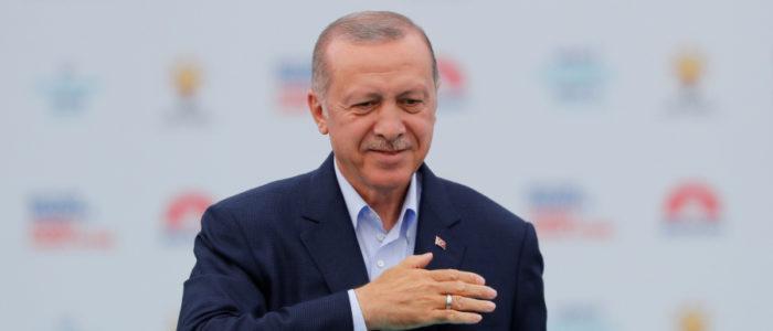 أردوغان يلغي التعامل بالعملات الأجنبية في عقود البيع والإيجار