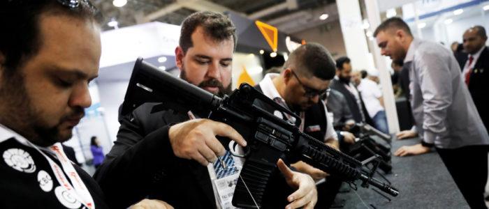 أكثر من 857 مليون سلاح ناري بأيدي المدنيين.. 393 مليوناً منها بحوزة الأمريكيين