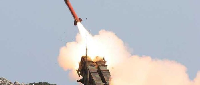 الدفاع السعودي يتصدي لصاروخ من الحوثيين