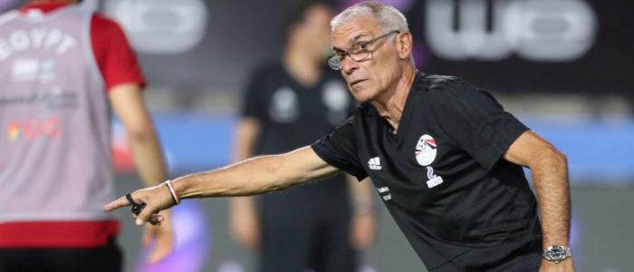 كوبر: مصر ستلعب من أجل الفوز على أوروجواي.. ومشاركة صلاح واردة