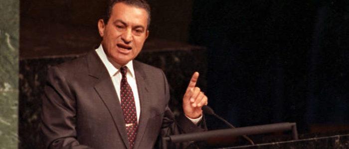 وزير الإسكان السابق يكشف كواليس 16 عاما في عهد مبارك