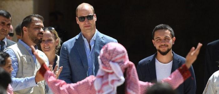 """الأمير وليام يزور """"جرش"""" الأردنية ويلتقط صورة خاصة لكيت ميدلتون!"""