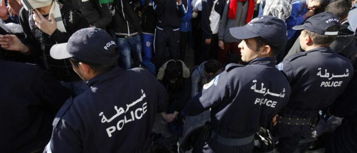 طائرات عسكرية ودوريات شرطة في الجزائر لمنع التسريبات في امتحان البكالوريا