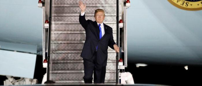 عادات ترامب داخل طائرته خلال رحلاته