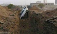 خنادق الحوثيين تقطع المياه عن نصف الحديدة