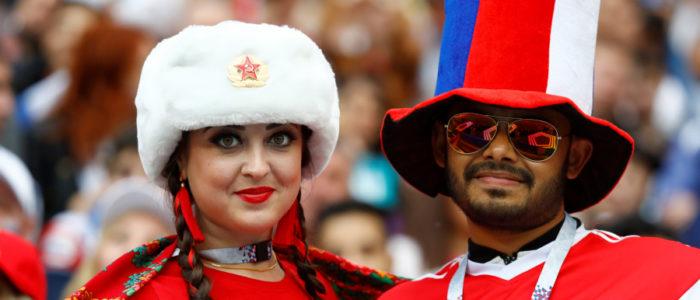 المتحدث باسم بوتين يتدخل لصالح أصحاب البشرة السمراء: فتياتنا أفضل نساء العالم، ولا مانع من إقامة العلاقات