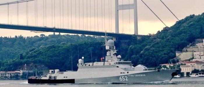 مراقب البوسفور: سفن روسية مسلحة بصواريخ كروز متجه لسوريا