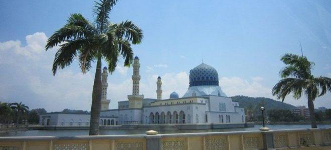 """ماليزيا تمنع السائحين من زيارة مسجد بسبب""""فيديو راقص"""""""